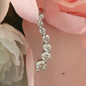 14k White Gold .75ctw Diamond Journey Necklace